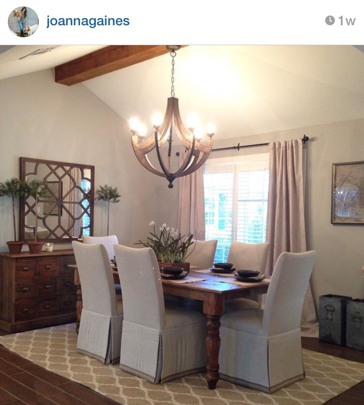 Love This Simple Dining Room From Joanna Gaines On Fixer Upper