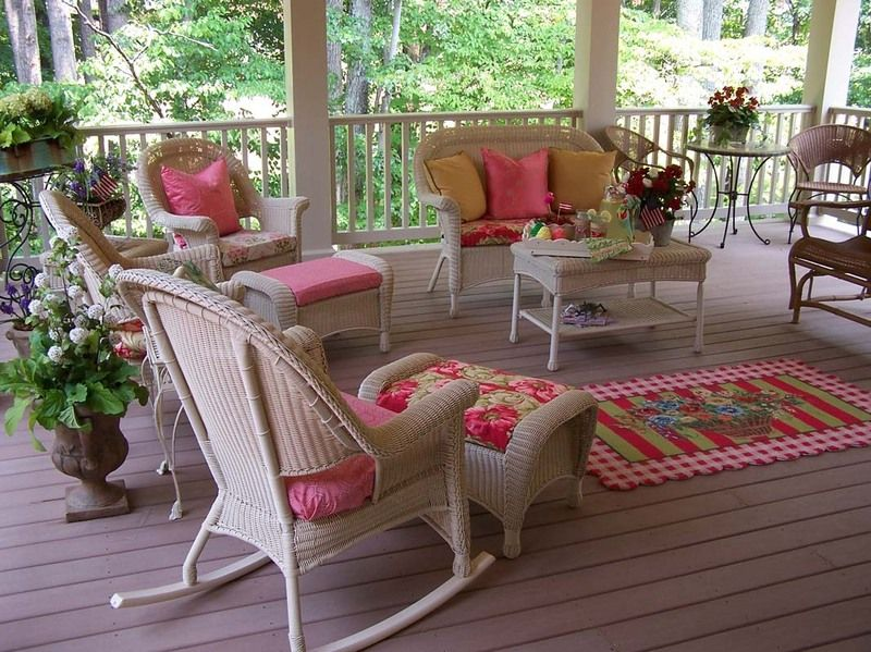 Captivating Shabby Chic Screened Porch