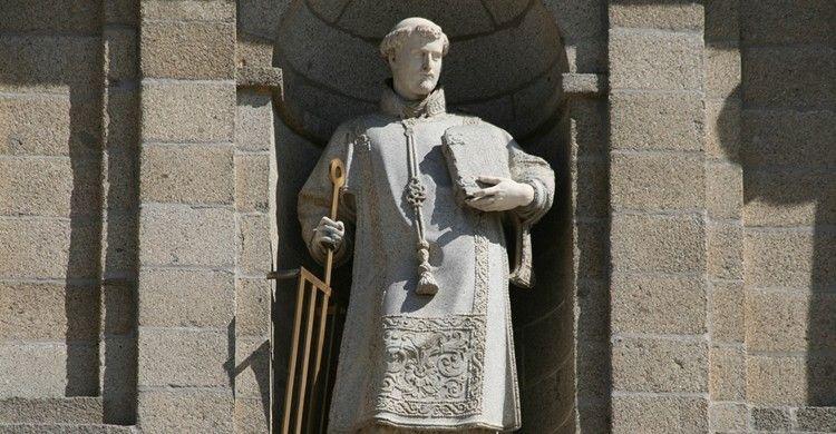 escultura san lorenzo de el escorial | 10 leyendas increíbles sobre el  Monasterio de San Lorenzo ... | Monasterio del escorial, Escorial,  Renacimiento español