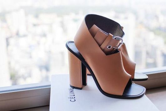 bda02893267 The chunky heel with camel leather make these Celine sandals a must to have  in my closet. Although I need to find a less expensive alternative.