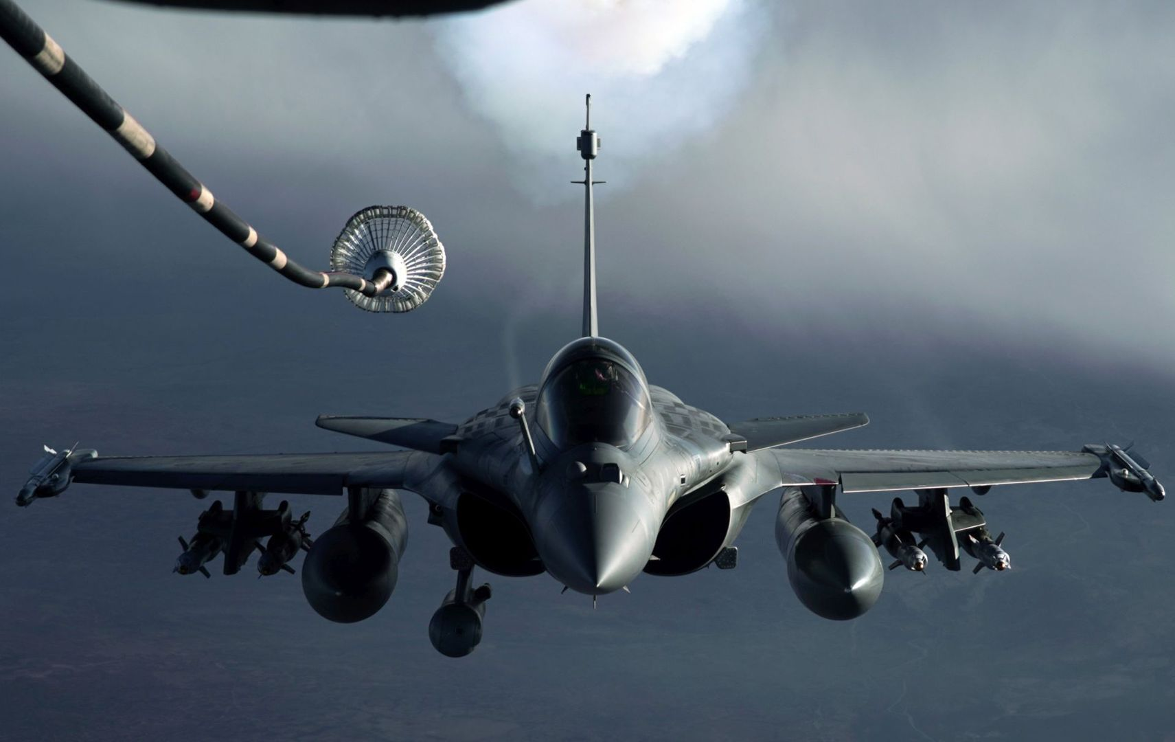 Aerial Refueling Adds Lethality to US Military Aviation in