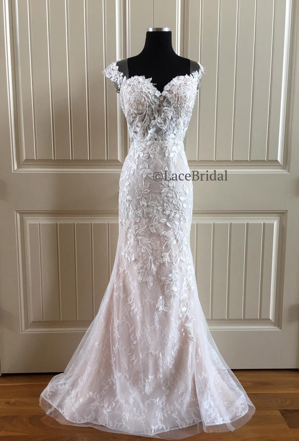 Naviblue Beatrice 18309 Wedding Dress New, Size 14