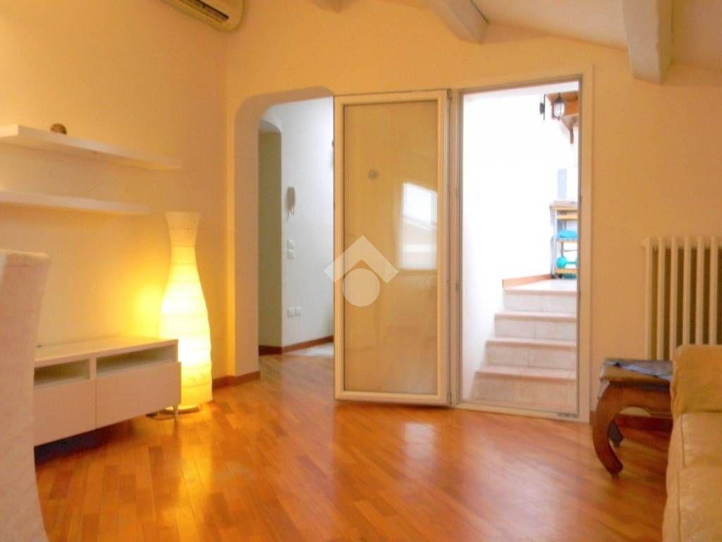 Affitto Appartamento Pesaro. Quadrilocale in via giacinto