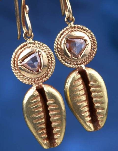 Gehna offer to sell Ethnicinspired pair of earrings featuring rose
