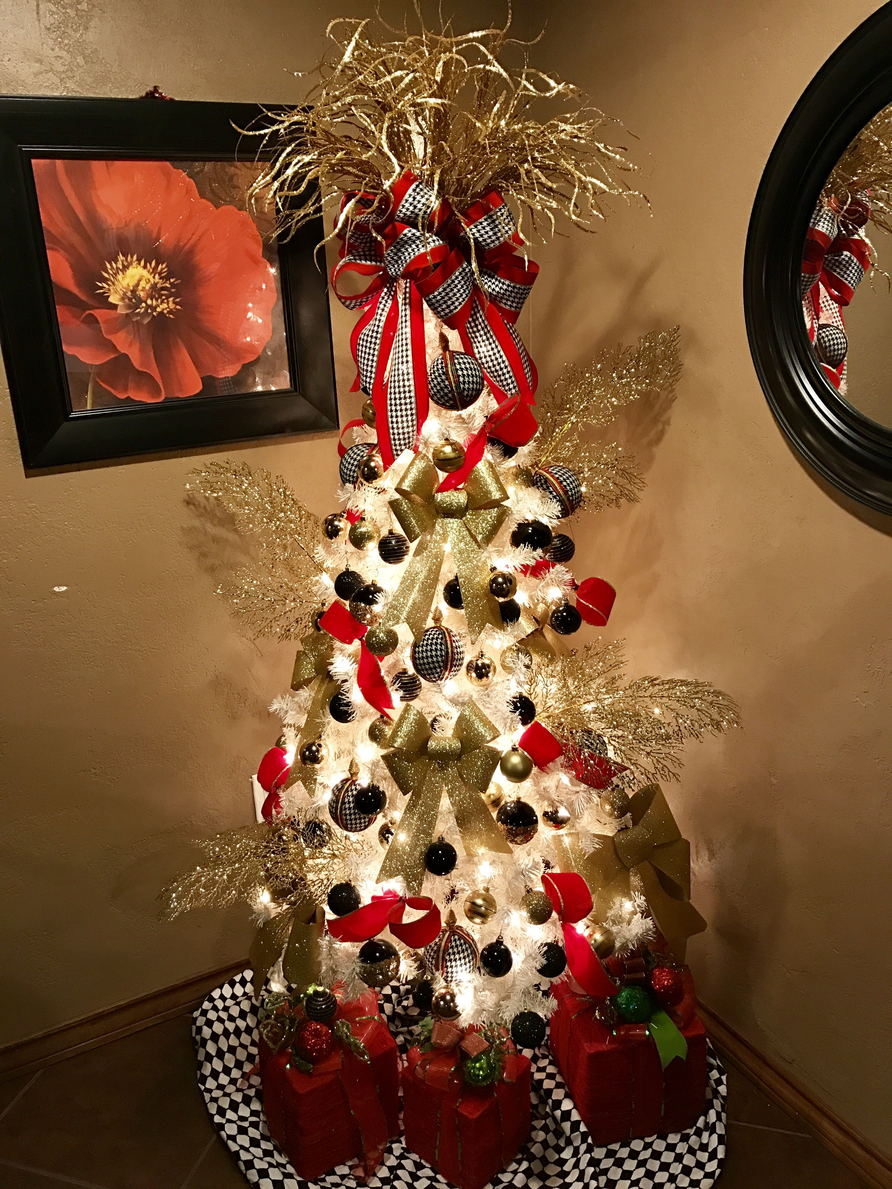 My Family Room White Christmas Tree, Gold, Red,Black, And Houndstooth