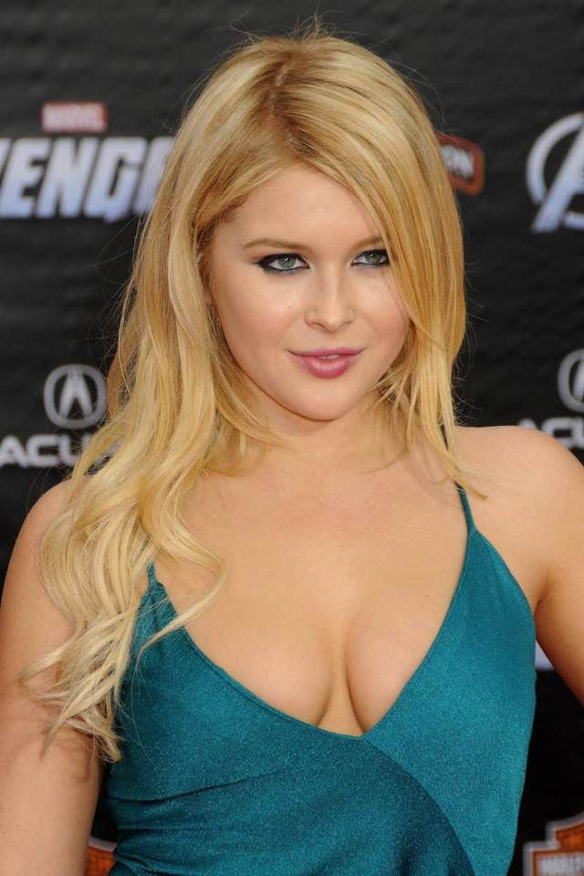 2018 Celebrity Birthday Renee Olstead Reb 123 R