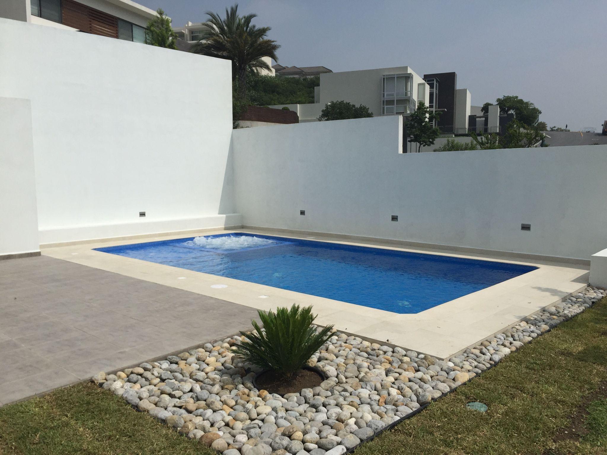 Recreational pool piscina residencial de x mts for Piscina residencial