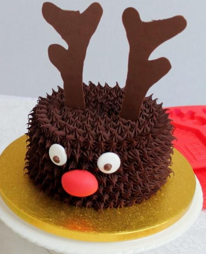 Christmas Cake Designs Pinterest : Reindeer Theme Chocolate Christmas Cake regarding Reindeer ...