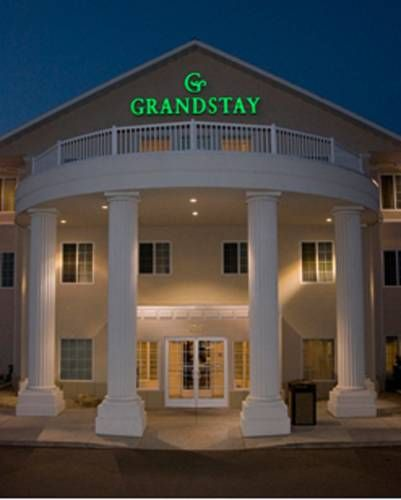 Grandstay Residential Suites Hotel Faribault Minnesota Located Less Than 1 Mile From Interstate 35 And Across The Golf Country
