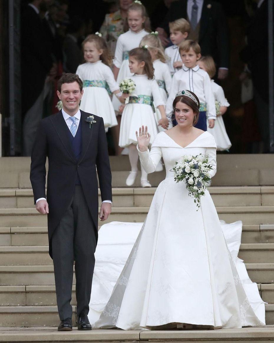 Princess Eugenie Went Straight Up Disney For Her Wedding Day Royal Wedding Dress Royal Wedding Gowns Eugenie Wedding [ 1162 x 930 Pixel ]