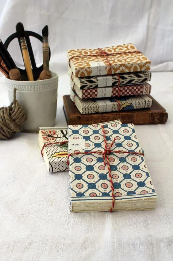 Que Faire Avec Des Chutes De Papier Peint In 2020 Book Binding