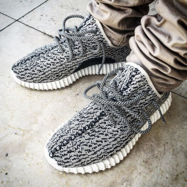 pretty nice 3c3f6 67ace Adidas Yeezy Boost on feet 350 Boost, Yeezy 350, Sneakers Adidas, Adidas Men