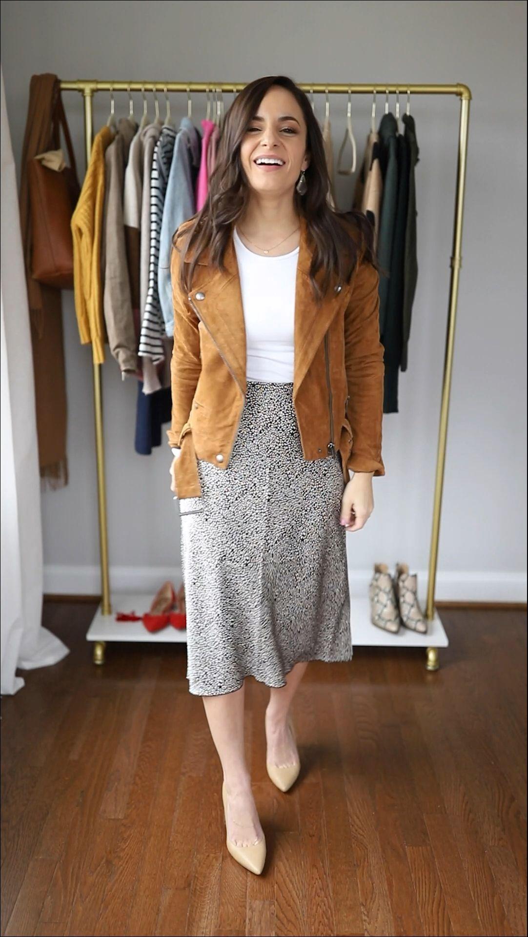 Four petite friendly midi skirt outfits | how to wear a midi skirt | midi skirt outfits | petite style tips #styleblogger