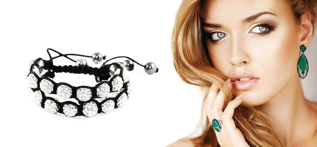 Complete the Lookz' Shamballa Crystal Bracelets are amongst the most worn accessories by a lot of popular #celebrities and big icons in the #fashion industry. Chooze one here @ http://www.completethelookz.co.uk/Swarovski-Crystal/shamballa-crystal-bracelets