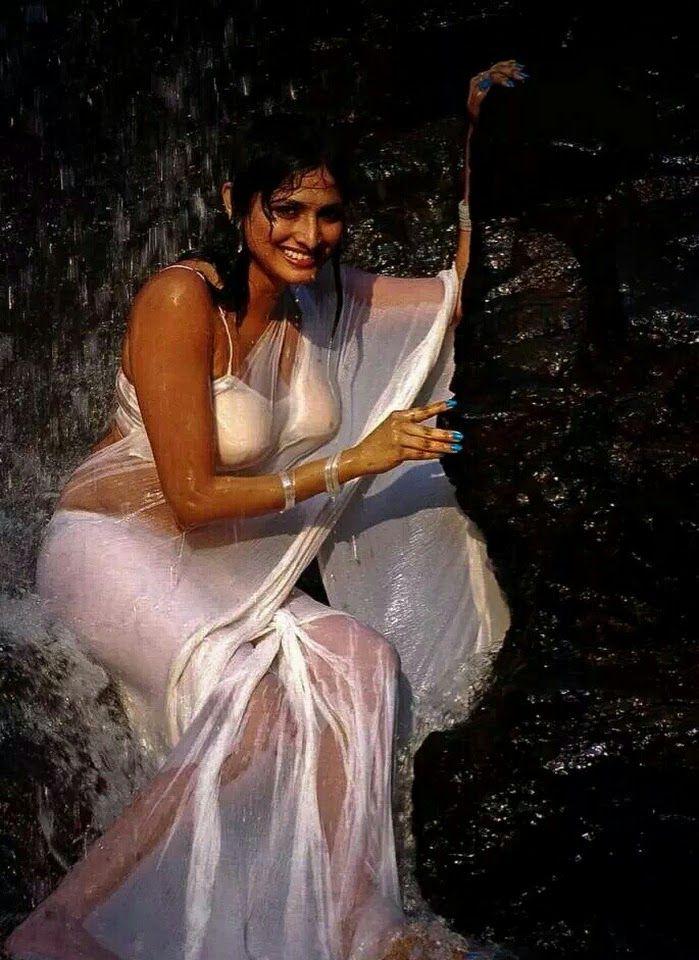 Hot indian wet saree girl