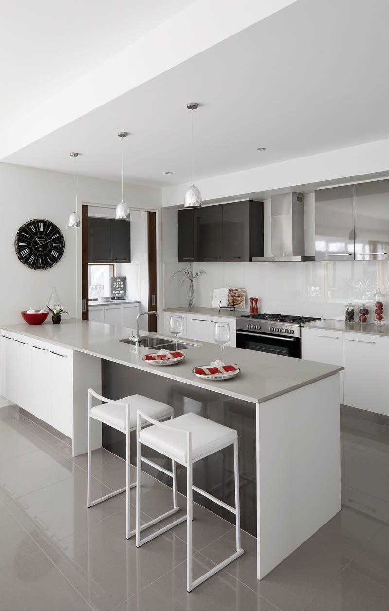 Cuisine Ilot Central Blanc une #cuisine #design bois et blanc ! http://www.m-habitat.fr