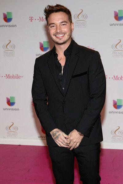J Balvin Photos Photos Arrivals At The Premios Lo Nuestros Awards