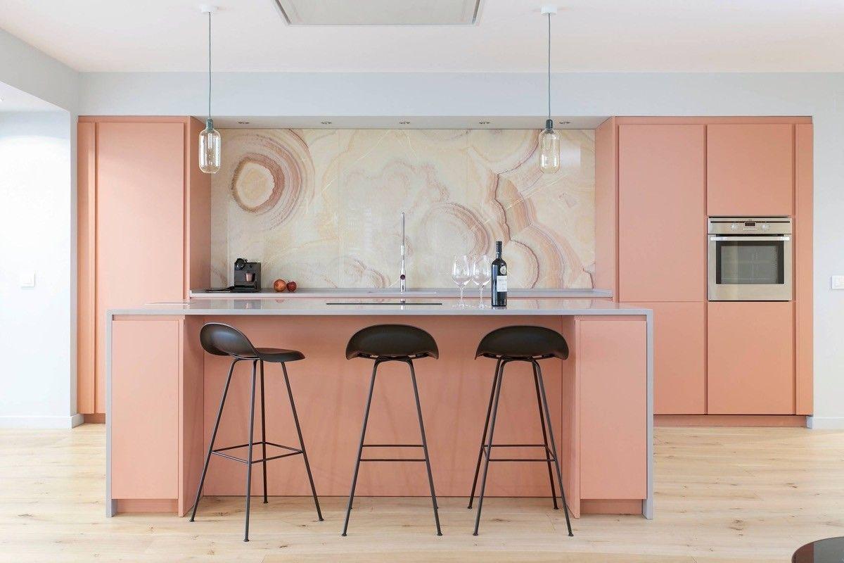 Pin By Vanou Brutch On Tendance Deco Kitchen Cabinet Colors Kitchen Design Pink Kitchen
