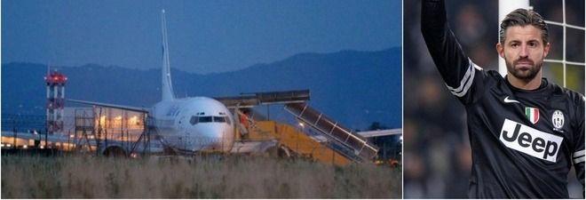 TORINO A causa di un problema al carrello il Boeing 737 ha dovuto effettuare un'atterraggio d'emergenza, paura per i 154 passeggeri a
