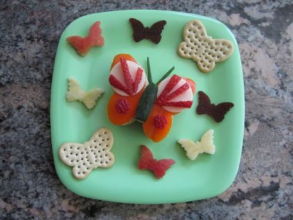 Snack time?? Do we have butterfly crackers here?  They are on the grocery list nonetheless!!