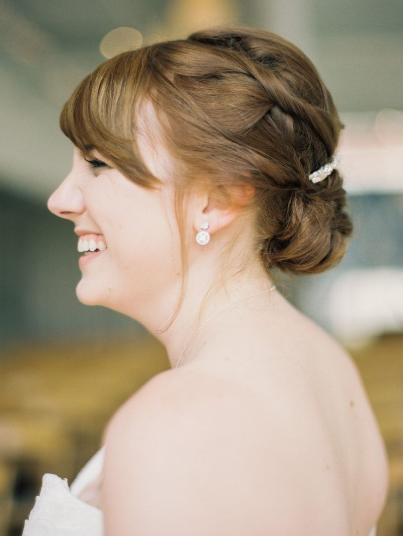simple wedding updo from greenhouse loft chicago wedding