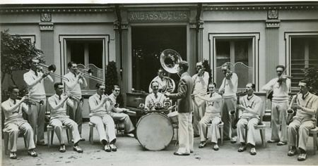 Paris, 1928 Warings Pennsylvanians'