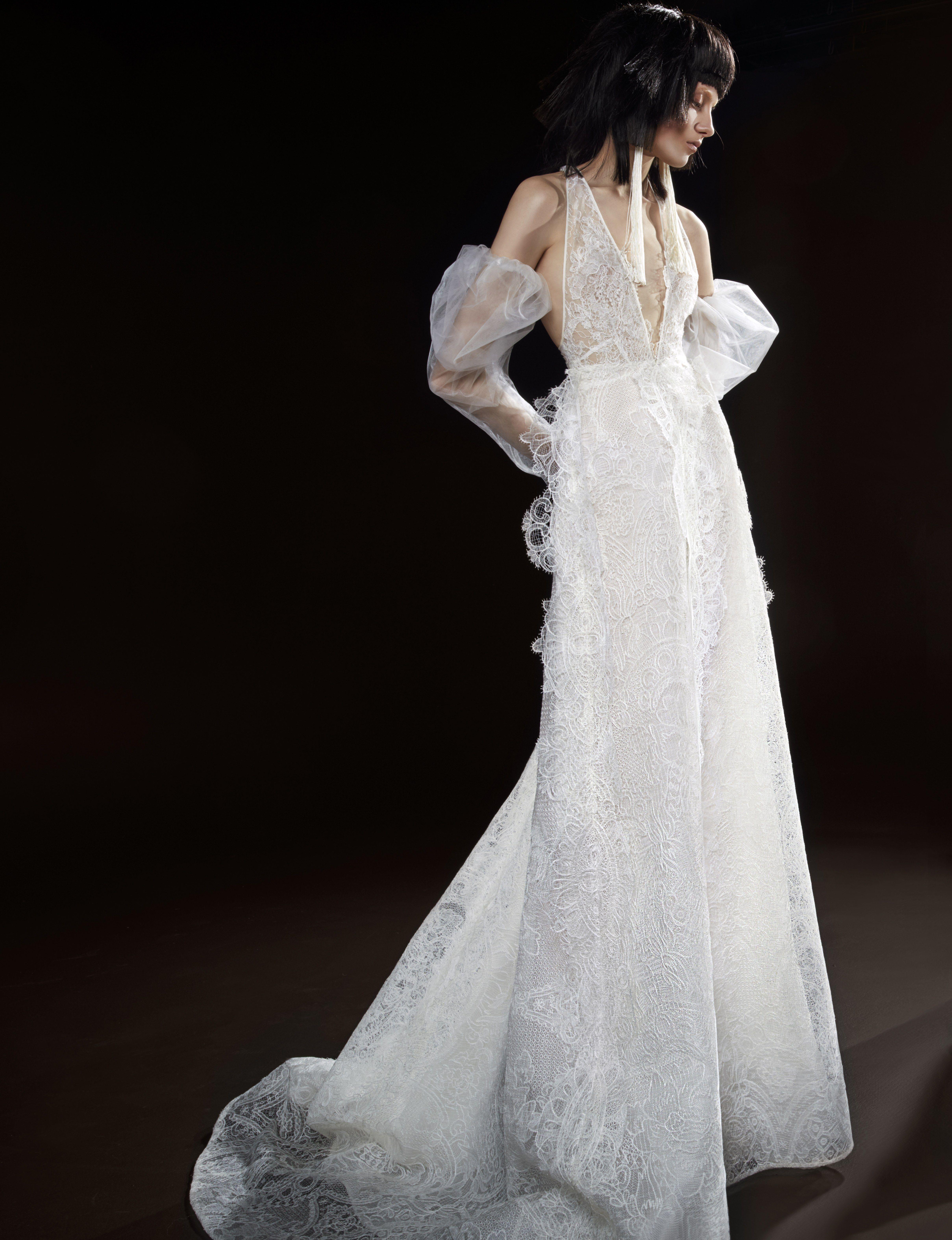 Vera wang bridal spring 2018 celestine light ivory for Vera wang v neck wedding dress