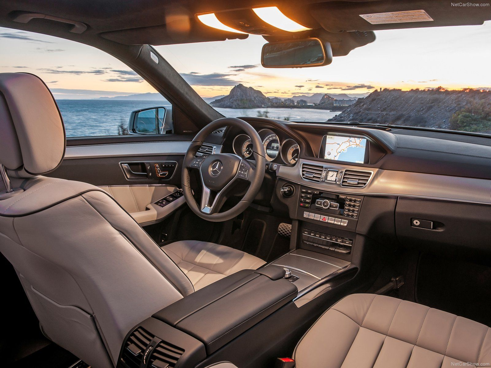 Mercedes Benz E Class 2014 Interior With Images Mercedes Benz