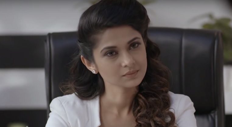 Beauty Jennifer S Pay Cheque Increased Significantly Know Why Jennifer Winget Is One Of The Beautiful Actres Jennifer Winget Jennifer Winget Beyhadh Jennifer