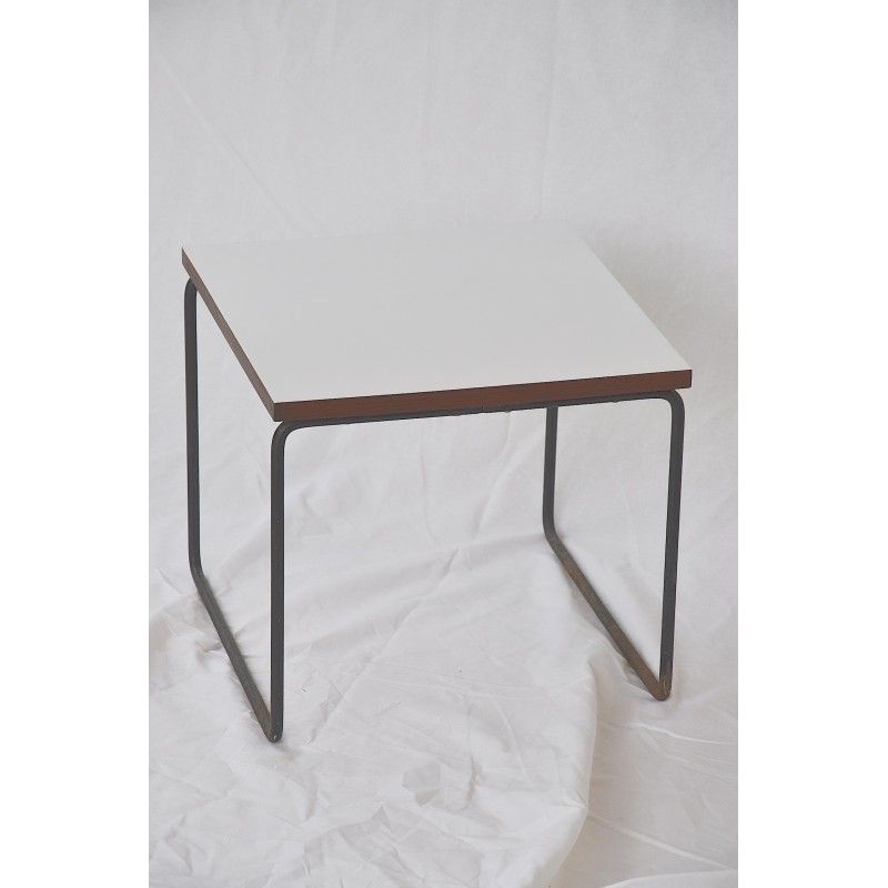 wwwdesign-mkt/4308-white-coffee-table-pierre-guariche