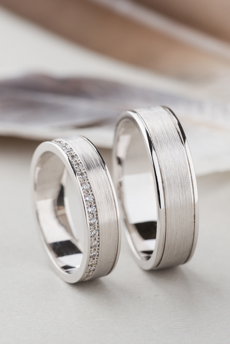 His And Hers Wedding Bands Made Of 14k Gold With Diamonds Etsy Wedding Rings Sets His And Hers White Gold Wedding Rings Couple Wedding Rings