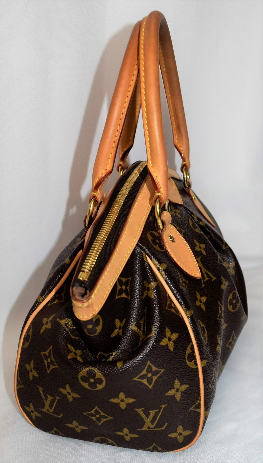 de80ced5651a LOUIS VUITTON Tivoli PM Monogram Canvas Handbag  799.0
