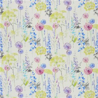 Designers Guild Fleur Sauvage Composition 100 Cotton Width 137cm Weight 137 gsm Horizontal Pattern Repeat 137 cm Vertical Pattern Repeat 64 cm