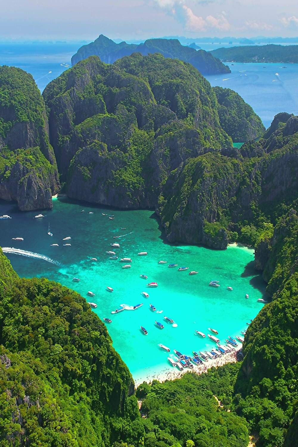 Tips on everything you need to know to plan a trip to Phuket Thailand! Things to do, places to visit, where to stay, what to pack for Phuket and more! #itsallbee #traveltips #asia #phiphiisland phuket outfit ideas #trip #adventure #vacation #beach