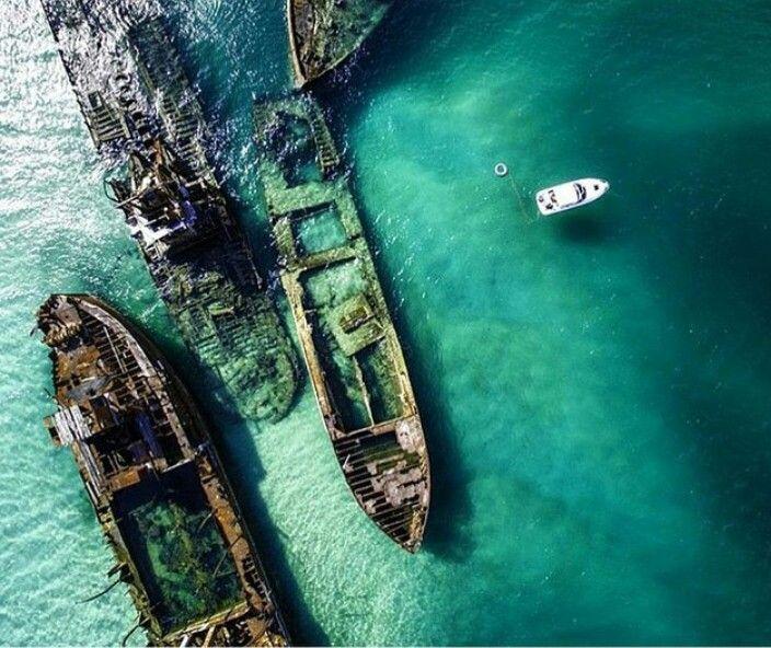 Abandoned ships outside Queensland, Australia