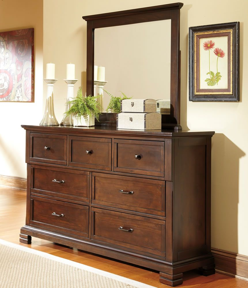 Decorating Ideas Bedroom Dressers with mirror and photo frame ...
