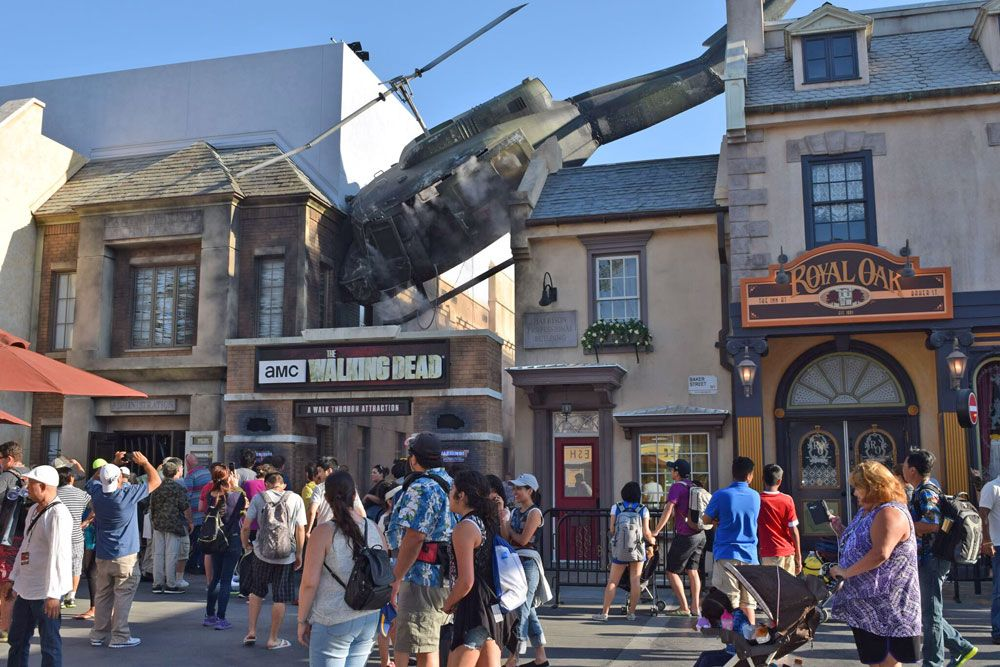 How to Survive The Walking Dead at Universal Studios Hollywood | Universal  studios hollywood, Universal hollywood, Universal studios orlando
