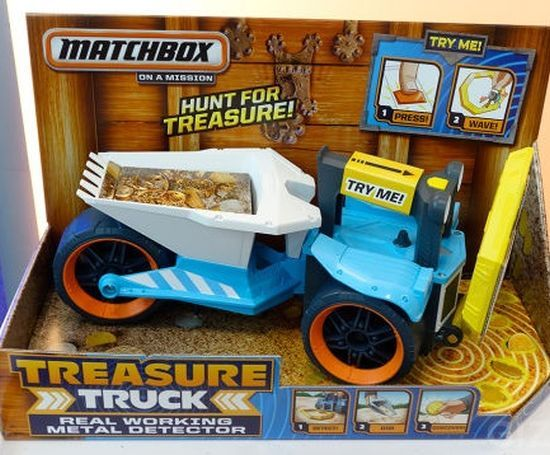 Matchbox Treasure Tracker Truck, Treasure Tracker is not your typical toy truck. It comes with a built-in-metel detector that will easily find small objects, even if they are buried.