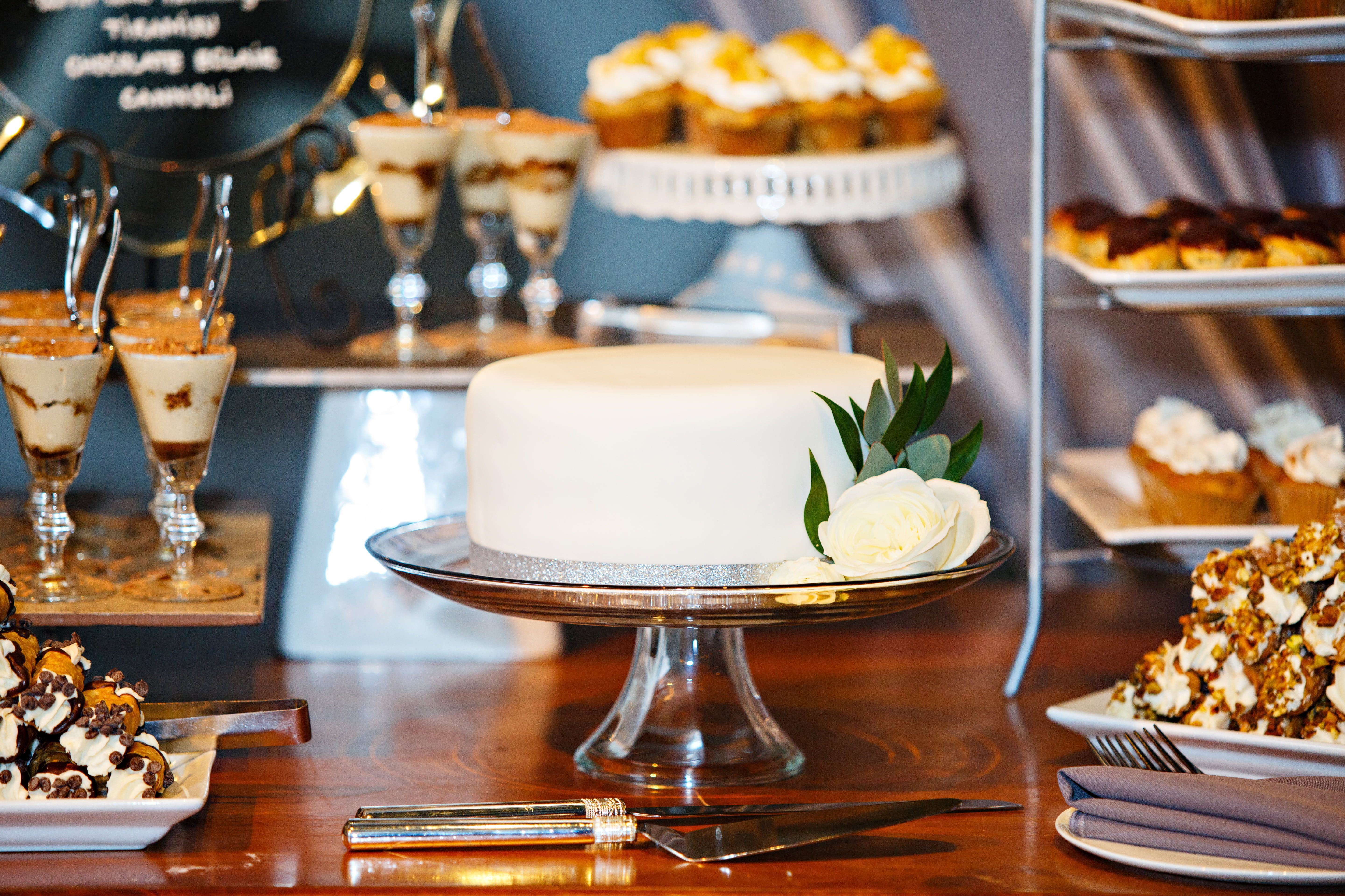 Simple Minimalist Wedding Cake For A Winter Wedding With A Dessert Table Photo Crystal Herry Photograp Dessert Table Beautiful Wedding Cakes Winter Wedding