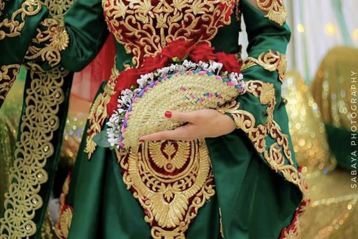 Pin By Ana الـرمـانـه On صنعانية يمنيه Traditional Outfits Yemeni Clothes Trendy Dress Styles