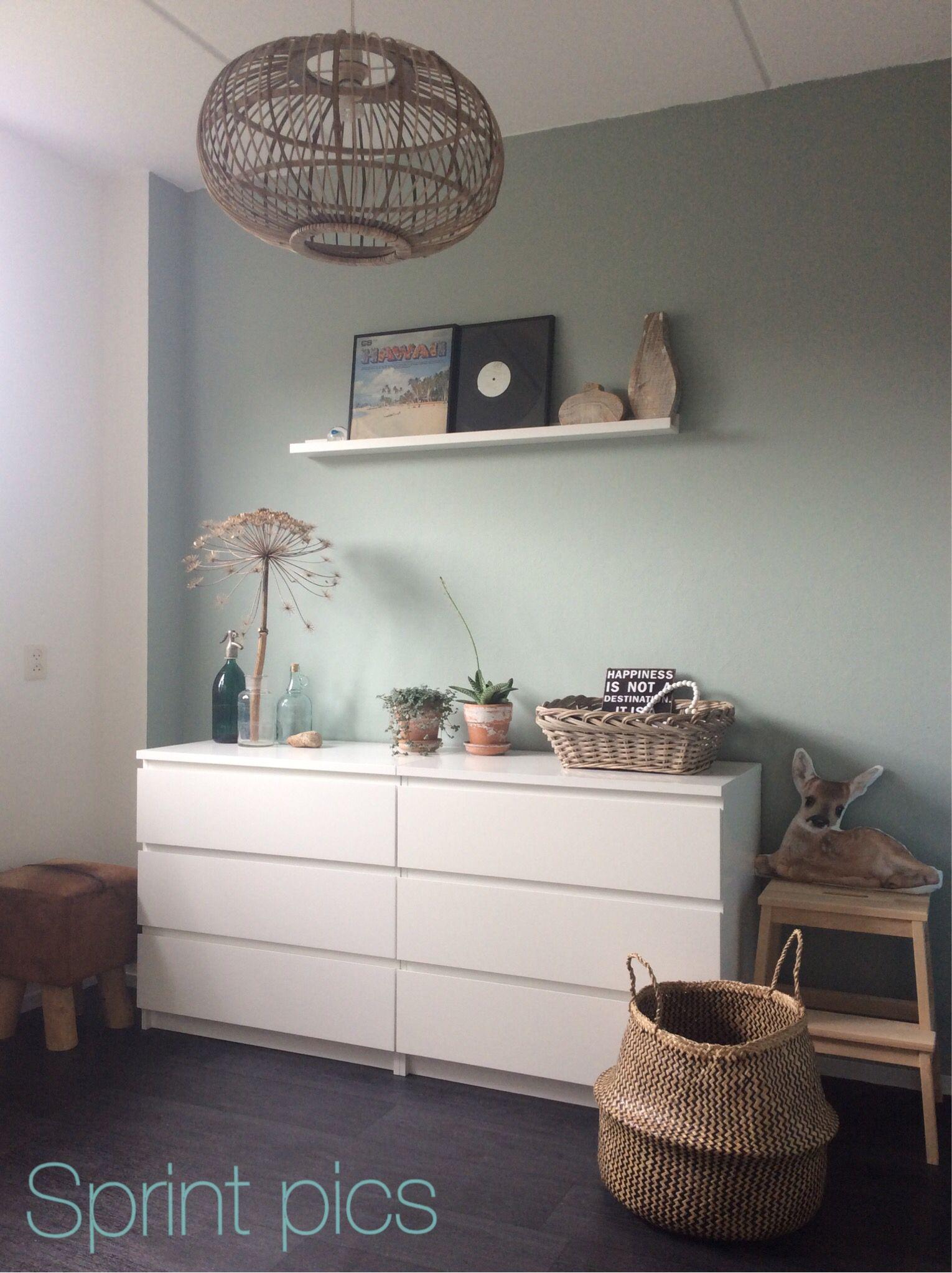 Flexa Early Dew Muurverf.Ikea Kast Malm Lijsten Plank Trapje En Mand Kwantum Lamp En