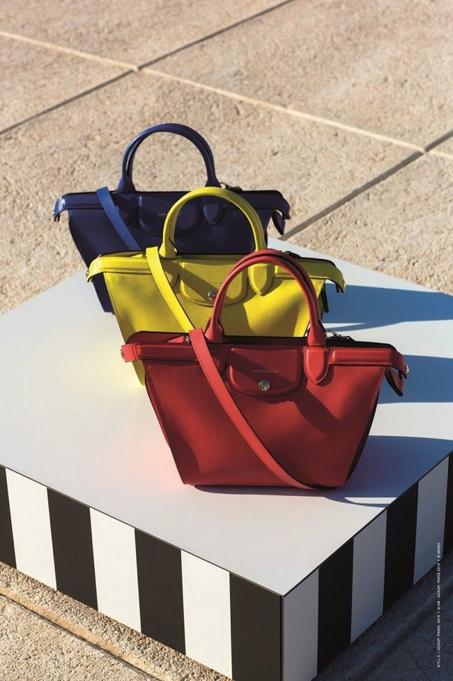 Longchamp pose ses Sacs Le Pliage à Marseille dans la Maison du ...