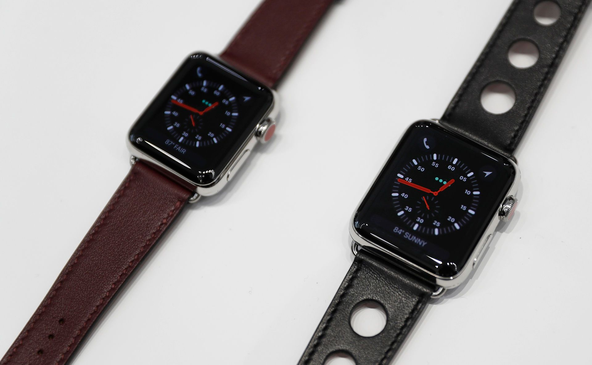 Apple Watch Series 3 will now allow you to make and take