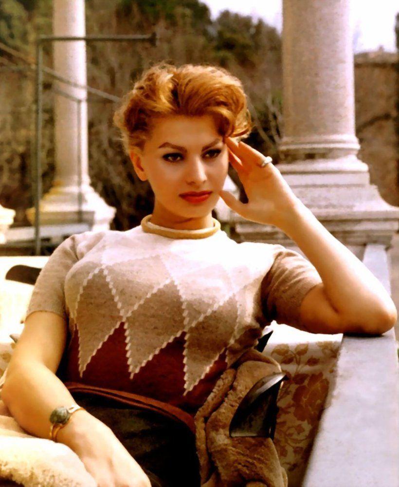 motto tot ceea ce am se datoreaza spaghetelor sophia loren referindu - Sophia Loren Hair Color