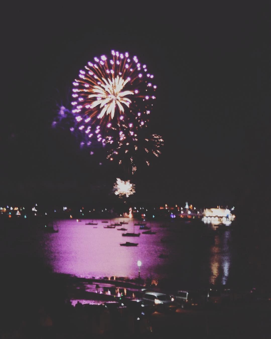 #nikonphotography #NYE #Nikon #nikond5200 #happynewyear #fireworks #geelong #geelongwaterfront by throughalens5 http://ift.tt/1JtS0vo