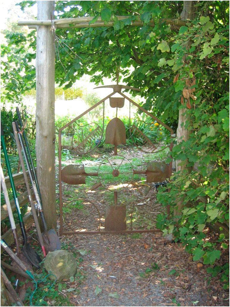 Shovel Gate - Trauma Farm | GARDEN | Pinterest | Gate, Gates and ...
