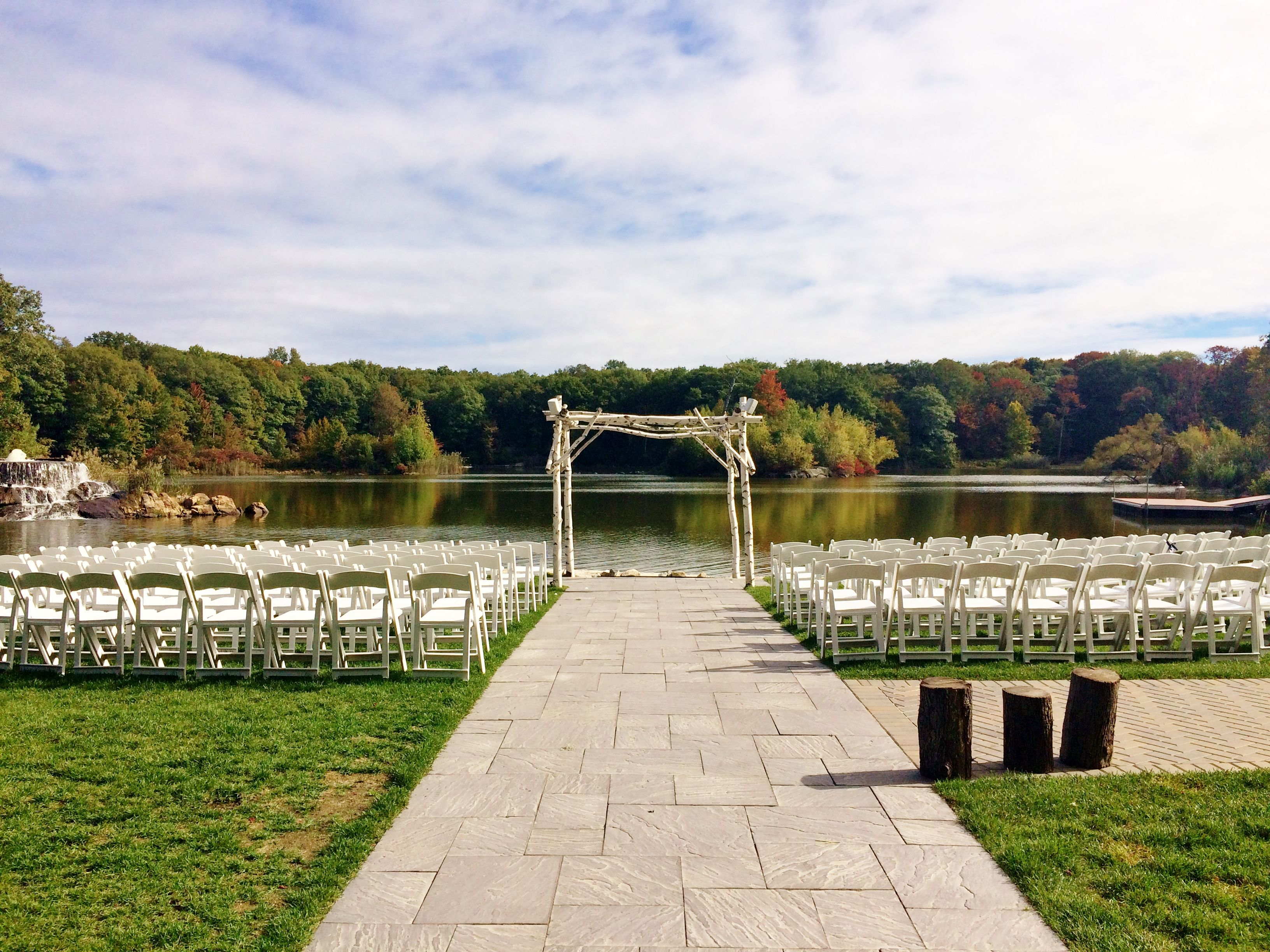 Rock Island Lake Club Wedding Venue Sparta Nj Sus County New Jersey Weddings Rustic Lakeside Modern