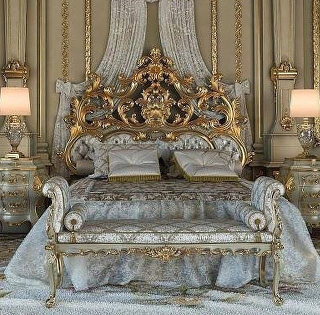 Antique Bedroom Set Fit For A Queen Luxurious Bedrooms Royal