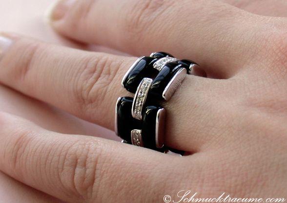 Sporty Black Onyx Ring with Diamonds » Juwelier Schmucktraeume.com