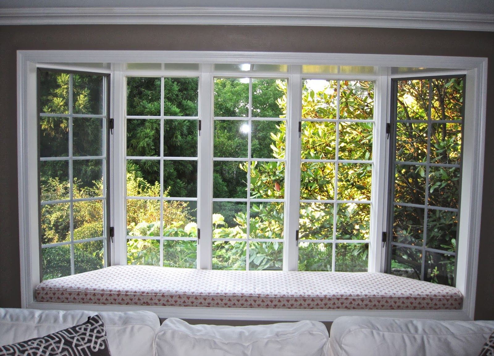Window seat fall in love with it is the large bay for Bay window design